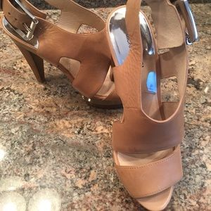 Michael Kors high heel beige sandal!